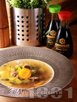 Бистра есенна супа от свински джолан, картофи, зеленчуци и фиде - снимка на рецептата